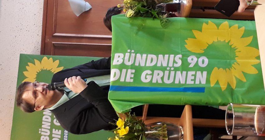 Christian Heilmann bei seiner Bewerbungsrede auf der Bezirksversammlung.
