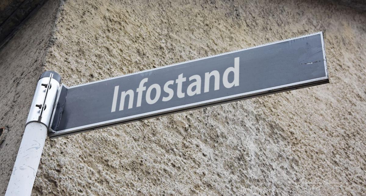 Infostand in Deggendorf Oberer Stadtplatz